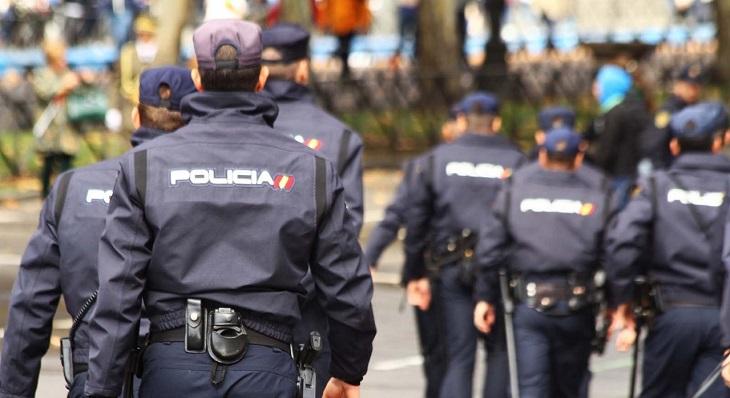 Varios agentes del Cuerpo Nacional de Policía