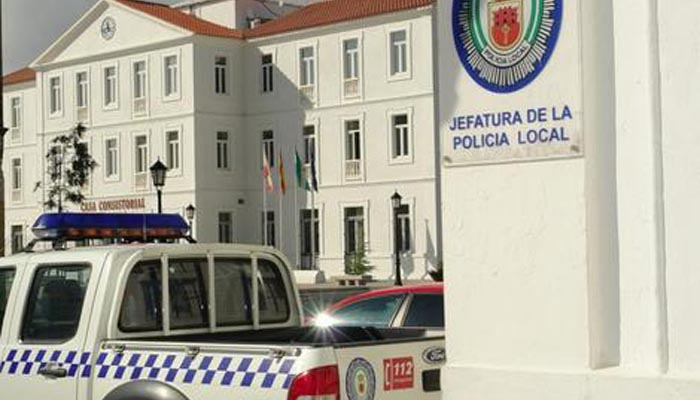 La Policía Local podría sancionar la instalación de las piscinas