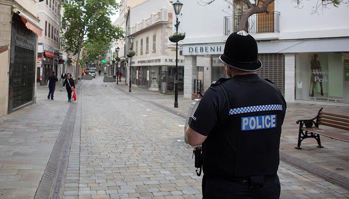 Policía en Main Street. Foto Sergio Rodríguez