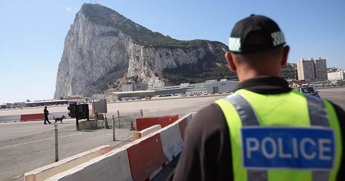 Imagen de archivo de un agente de la policía gibraltareña