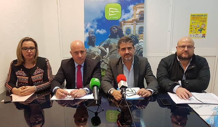 Miembros del PP de La Línea, en la rueda de prensa de hoy
