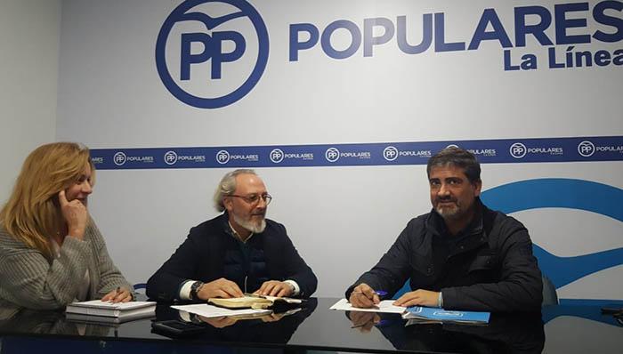 Reunión en el PP de La Línea