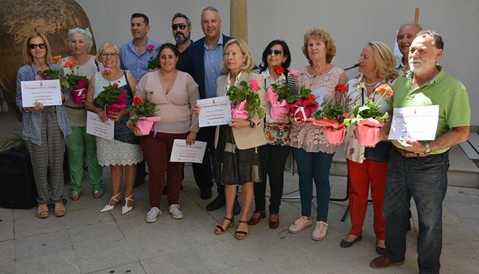 Imagen de grupo de los participantes en el concurso de patios de San Roque