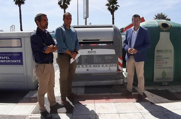 Abellán, Macías y Franco en la presentación de los contenedores