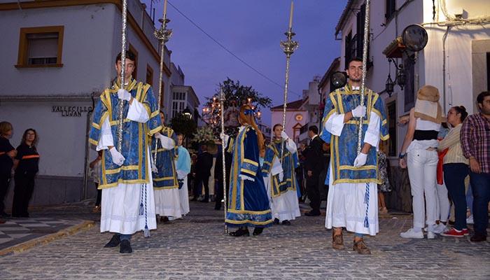 Un momento de la procesión de la Divina Pastora en San Roque