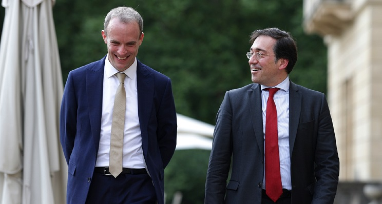Dominic Raab y José Manuel Albares, durante su encuentro en Londres. Foto: NG
