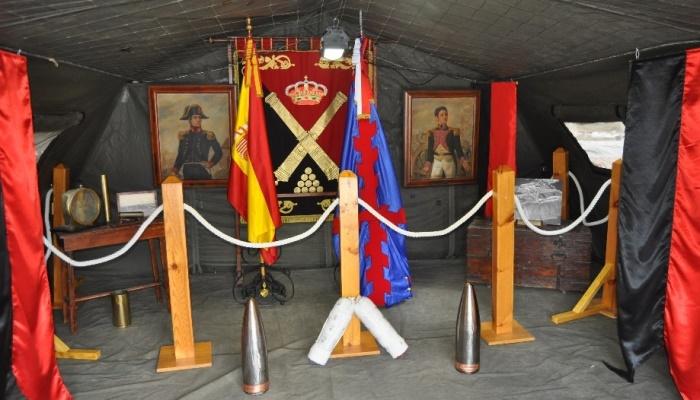 Exposición con motivo del aniversario del Regimiento de Artillería ceutí. Foto RAMIX30