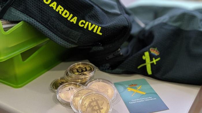 Dos algecireños son acusados de estafar 6.000 euros a una mujer en Arteixo
