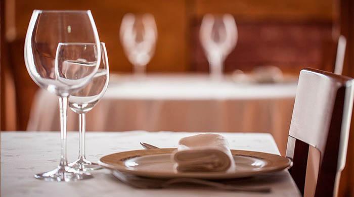 Servicio de comedor en un restaurante