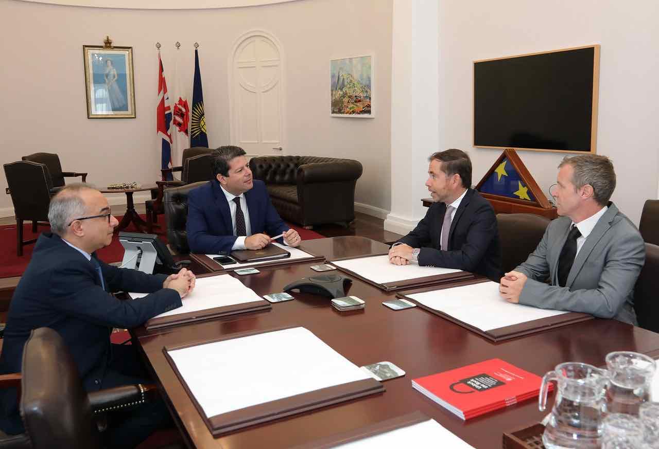 Reunión de Picardo con la Cámara de Comercio y la Federación de Pequeñas Empresas