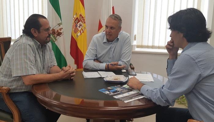 Ayuntamiento y UGT buscan un convenio para el asesoramiento a emprendedores