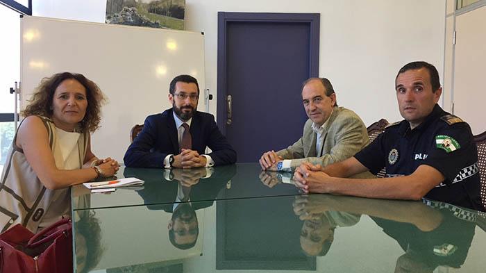 Reunión del alcalde y representantes municipales con Altadis
