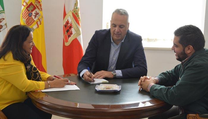 Collado, Ruiz Boix y Angulo durante la reunión sobre la Semana Santa