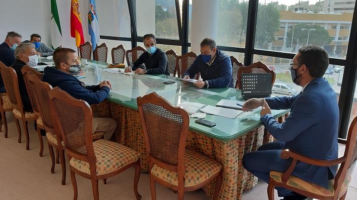 Una imagen de la reunión de esta mañana. Foto: lalínea.es