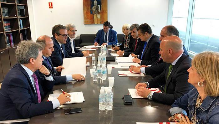 Reunión con representantes de la Cámara de Comercio