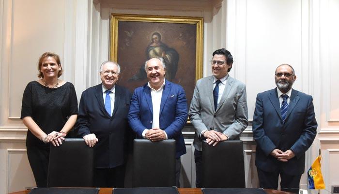 El alcalde de Algeciras y los representantes del Colegio de Graduados Sociales