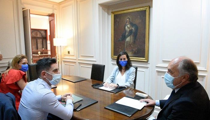 Landaluce recibe al director de Relaciones Externas de Mercadona