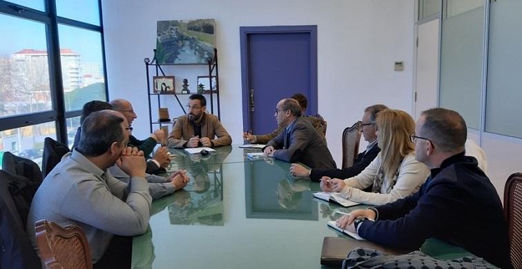 El Grupo Transfronterizo, en su reunión de hoy con el alcalde Juan Franco
