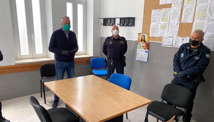 El alcalde, reunido con los representantes de la Policía Local