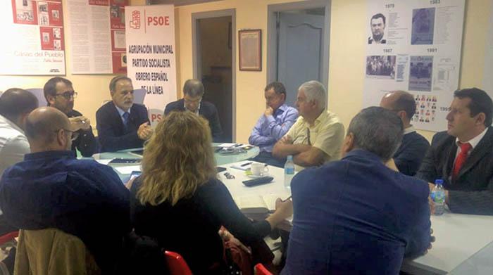 Reunión del diputado Salvador de la Encina y el Grupo Transfronterizo
