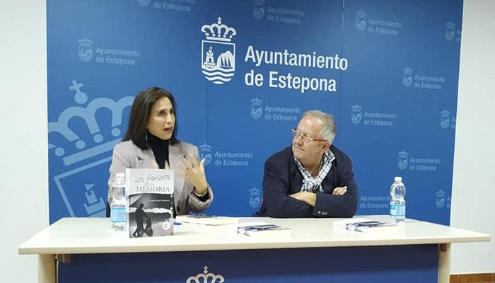 Rosario Pérez, durante la presentación de su obra en Estepona