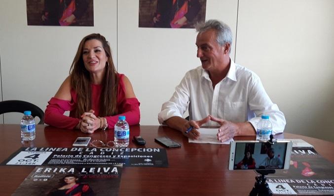 Erika Leiva, en una imagen de archivo junto al edil Momo Valle. Foto: lalínea.es