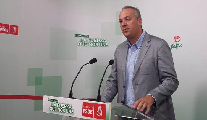 Ruiz Boix, en la sede del PSOE en Cádiz