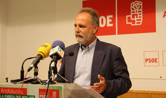 De la Encina también era actualmente presidente del PSOE de Algeciras