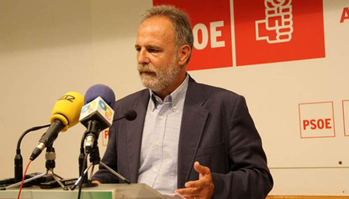 El diputado socialista por Cádiz, Salvador de la Encina, en imagen de archivo