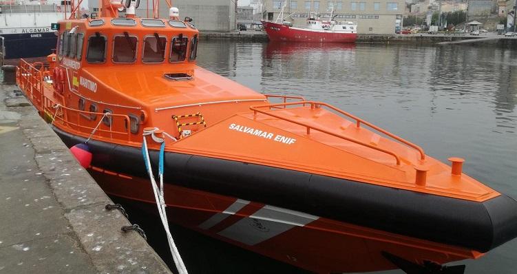 La nueva 'Salvamar Enif' en el puerto de Barbate