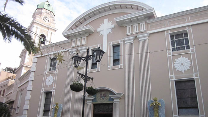 Fachada principal de la catedral católica Santa María la Coronada. Su existencia actual se debe al cura Romero de Figueroa. Foto APG