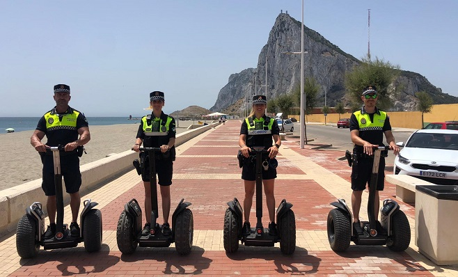 Agentes del grupo de la Policía Local de Playas