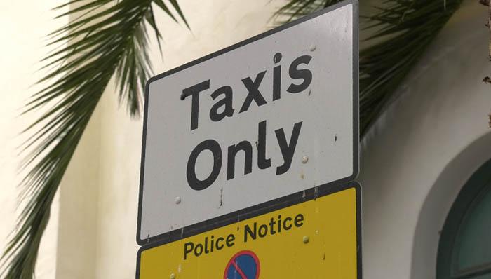 Señal de tráfico para taxis