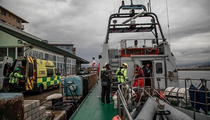 Atención médica en el puerto de Gibraltar. Foto InfoGibraltar