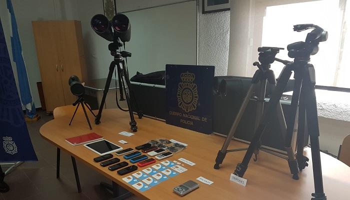 Objetos incautados por la Policía durante la investigación