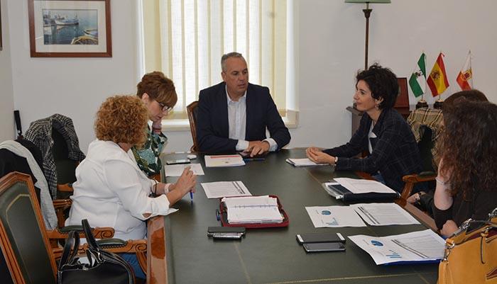 Reunión entre el alcalde de San Roque y representantes de Eulen