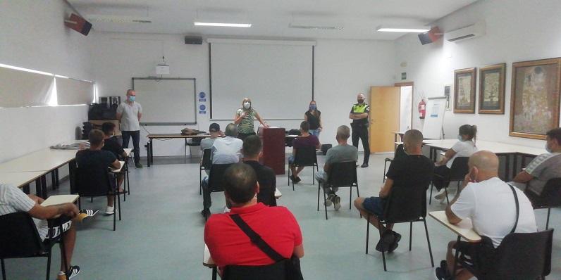 Uno de los talleres que se están realizando por parte de la Policía Local. Foto: lalínea.es