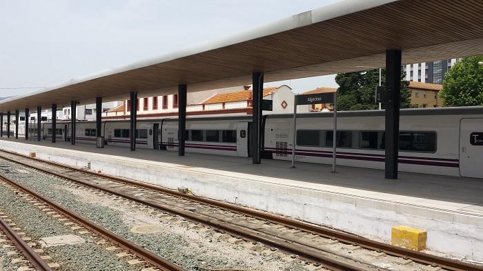 El PSOE celebra la recuperación de la conexión ferroviaria de mercancías