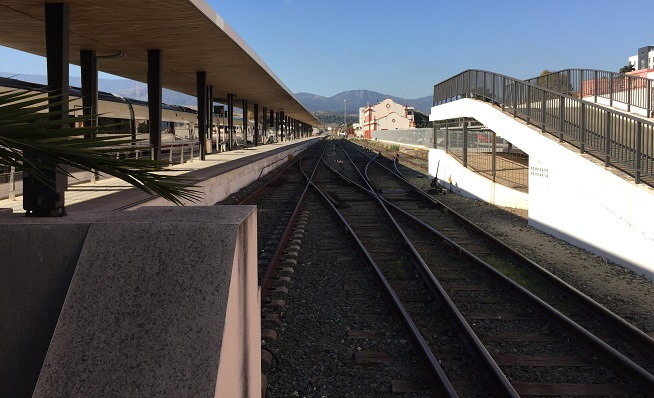 La vía del tren, en su salida desde Algeciras