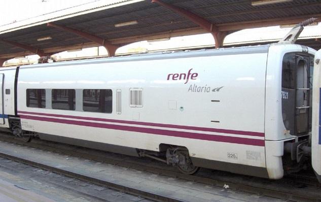 Un tren Altaria en la Estación de la Renfe de Algeciras. Foto: NG