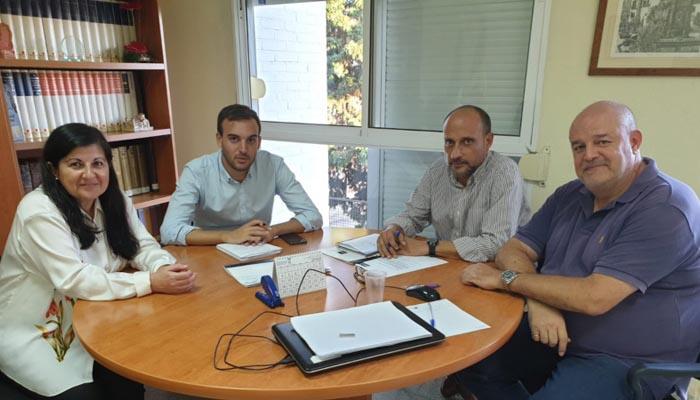 Imagen de la reunión entre la UNED y la Diputación