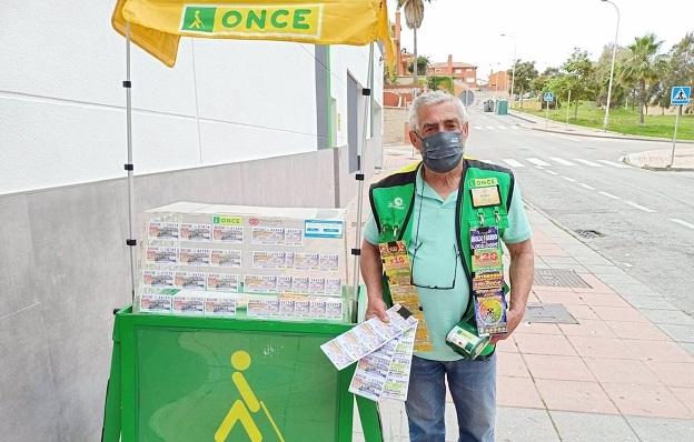 Antonio Mulero, vendedor de la ONCE en Algeciras. Foto: NG