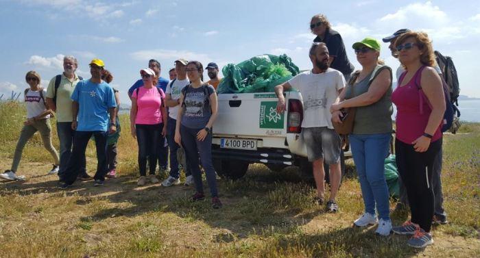 Los voluntarios limpiaron más de dos mil metros de litoral