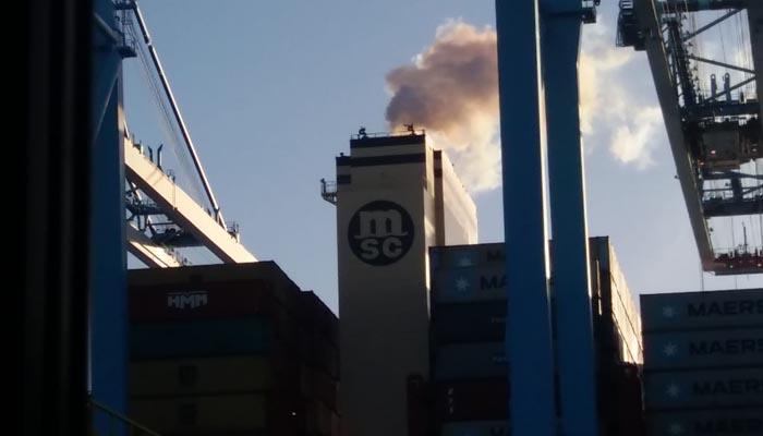 Verdemar denuncia la contaminación de los buques en la Bahía de Algeciras