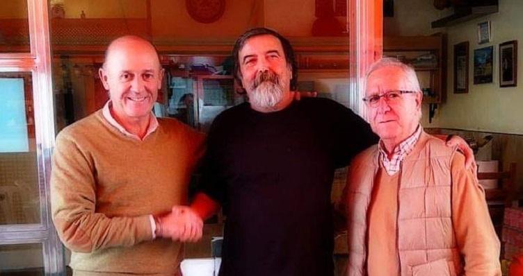 Julio Marín, en el centro de la imagen junto a Ángel Villar y Lorenzo Gómez