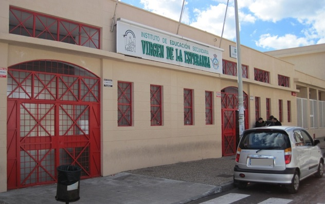 Fachada exterior del IES Virgen de la Esperanza, en La Línea