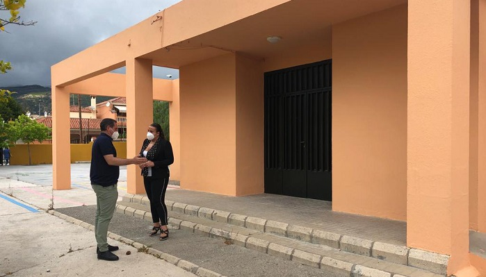 El Ayuntamiento sigue con la puesta a punto de los colegios de Algeciras
