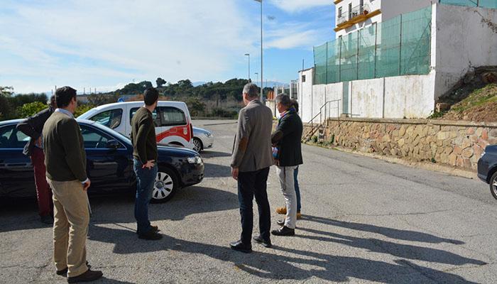 Las autoridades visitaron el emplazamiento del posible aparcamiento