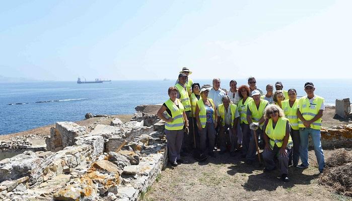 El Ayuntamiento de Algeciras limpia el Parque del Centenario