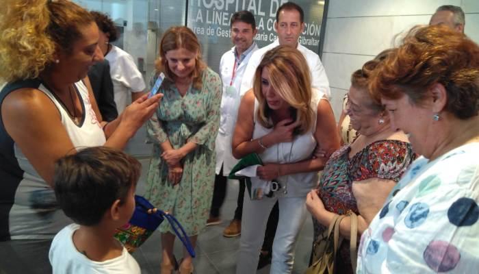 La presidenta de la Junta, Susana Díaz, en el hospital de La Línea